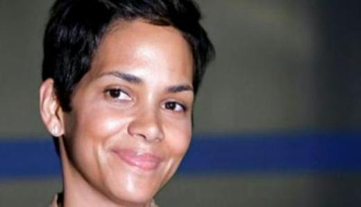 Halle Berry Plastic Surgery Pic